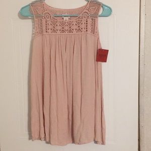 NWT mission free flowing sleeveless blouse